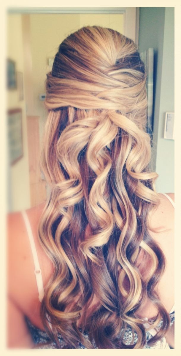 Wedding Hairstyle For Long Hair Hairstyle Make A Half Up Do For Your Hair Wedding Lande Leading Wedding Magazine Ideas Inspirations The Hottest New Wedding Trends