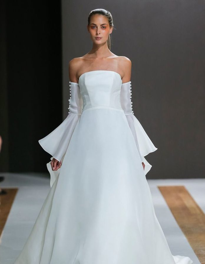Ball Gown Wedding Dresses : Fall in love with this ...