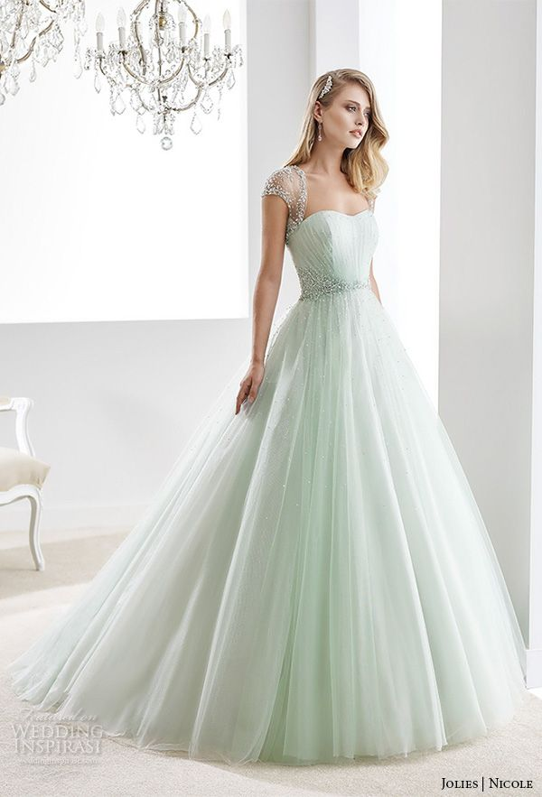 Ball gown wedding dresses nicole jolies 2016 wedding for Ball gown wedding dresses with sweetheart neckline and beading