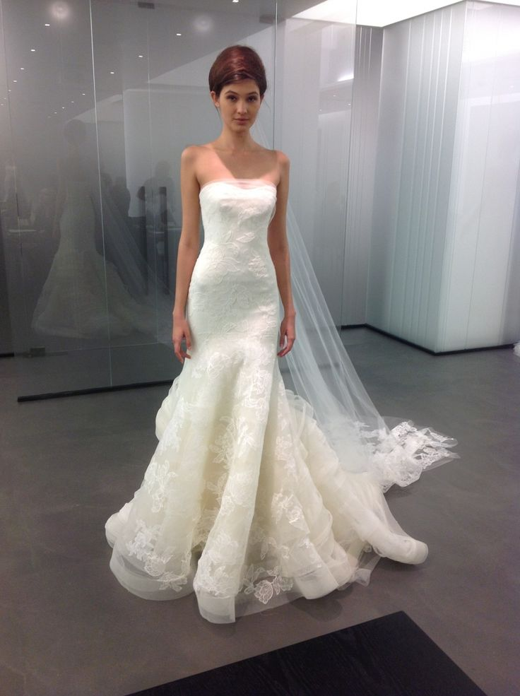 Sheath wedding dress vera wang leda fall 39 13 for Vera wang tea length wedding dress