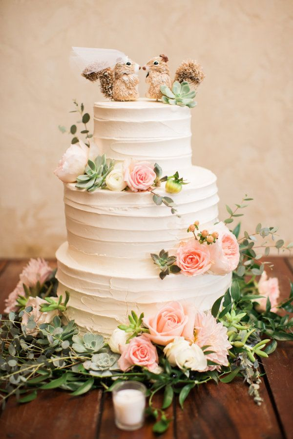 modern wedding cake cutting songs 2017 wedding cakes three tier squirrel topped wedding cake 17471