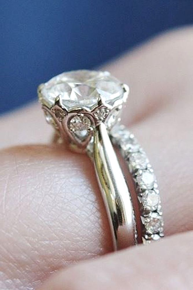 engagement rings 18 dazzling diamond engagement rings of her dreams here you will find differ. Black Bedroom Furniture Sets. Home Design Ideas