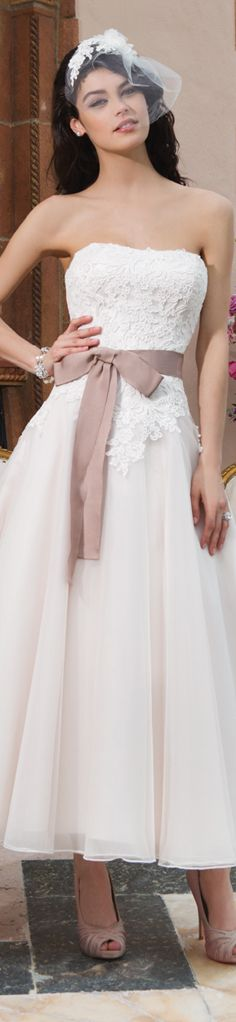 Ball Gown Wedding Dresses : Tulle, cotton corded lace tea ...