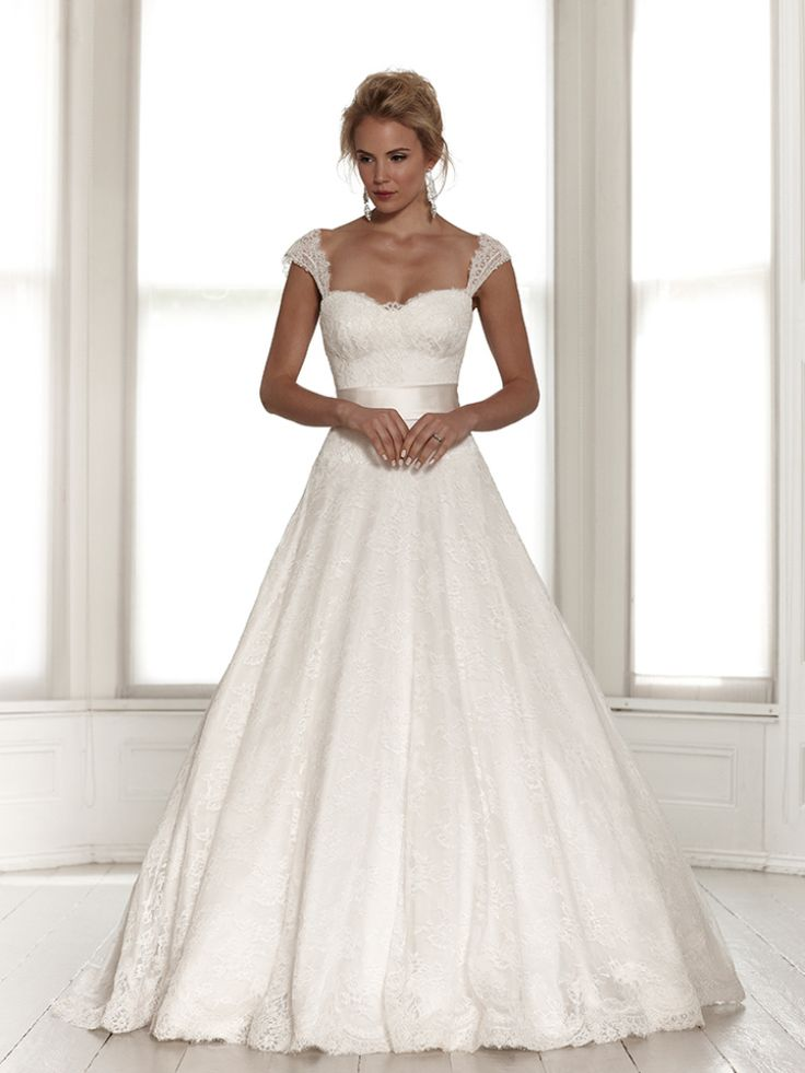 Ball gown wedding dresses this is pretty how it 39 s a ball for Pretty ball gown wedding dresses