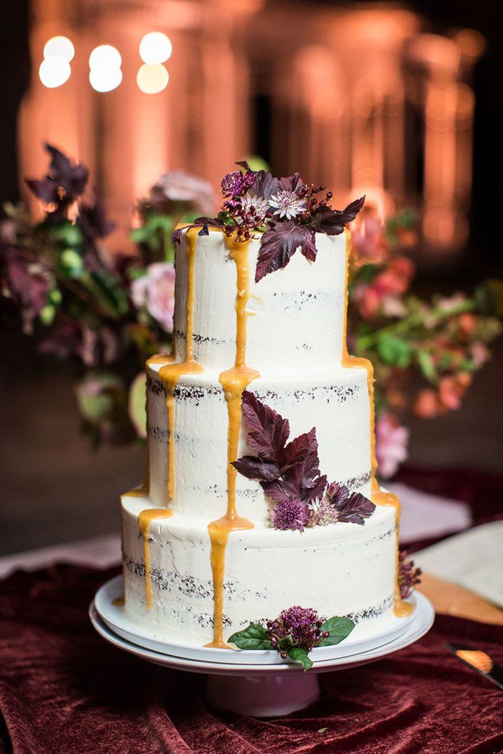 wedding cakes outdoor fall wedding in austin love this three tier semi naked drip wedding ca. Black Bedroom Furniture Sets. Home Design Ideas