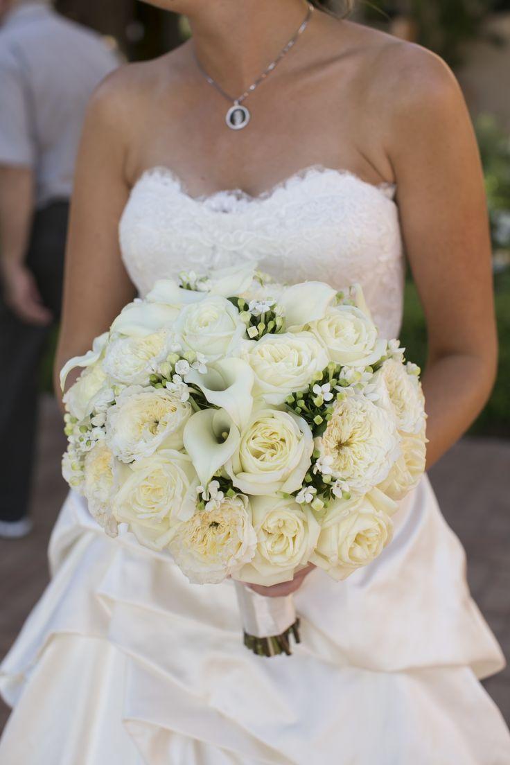 The Bride And Her White Calla Lily Bouquet Callalily Bride